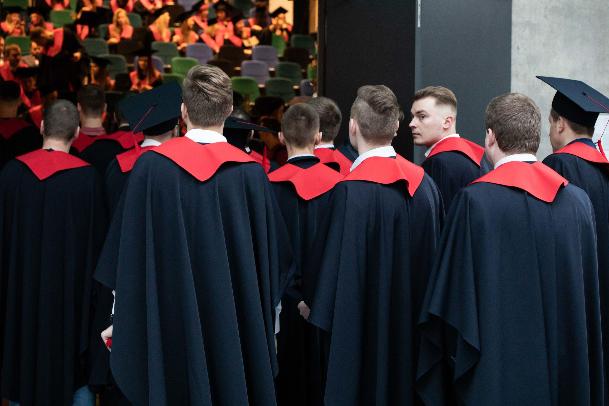 KTU diplomų įteikimo šventėje – unikalūs sprendimai ir gyvi susitikimai